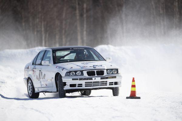 g-racing-center-jt-ralliautoilu-kainuu-ukkohallan-matkailupalvelut-09881610A9-70EE-3477-C5E9-78937D9BA318.jpg
